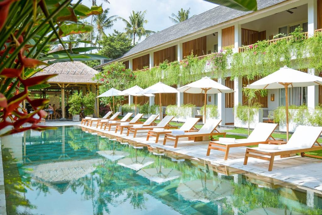 Piscina en o cerca de The Open House Jimbaran Bali