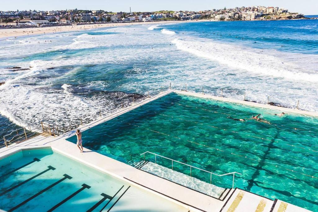 A view of the pool at Studio 68 Bondi Beach or nearby