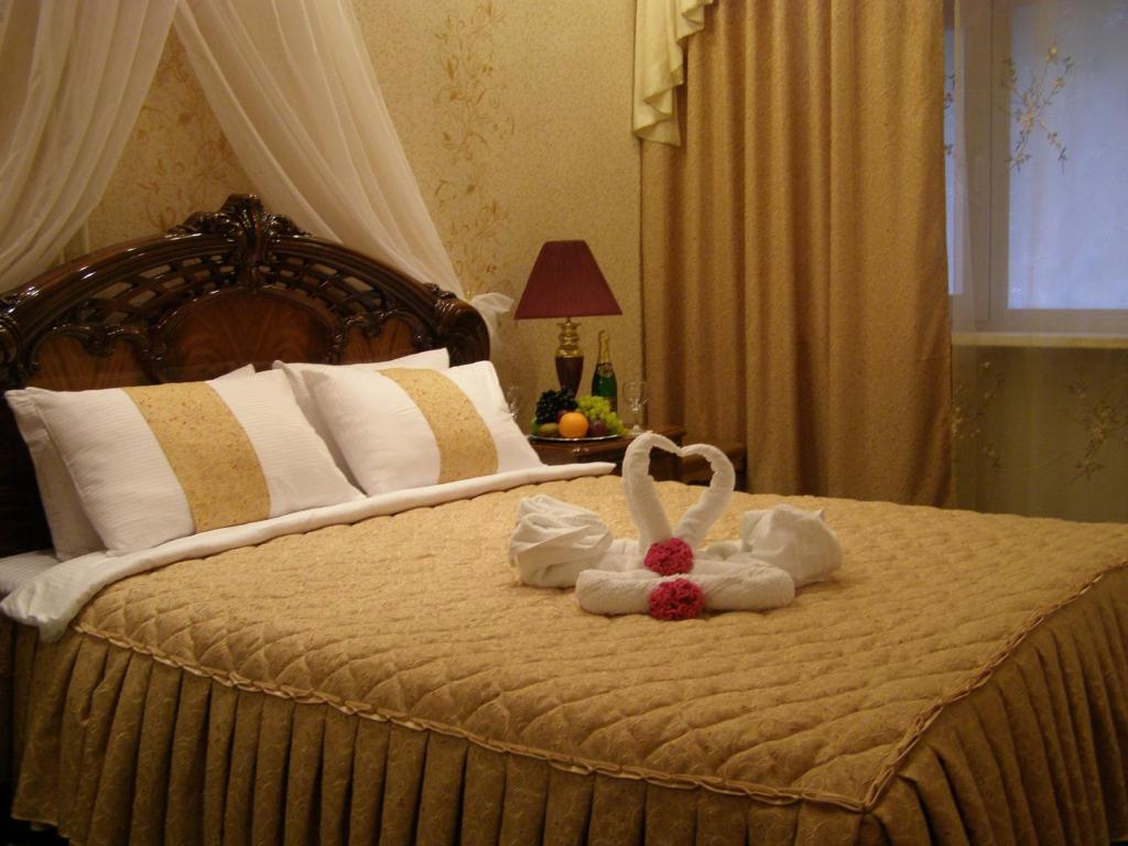 A bed or beds in a room at Hotel Brigantina
