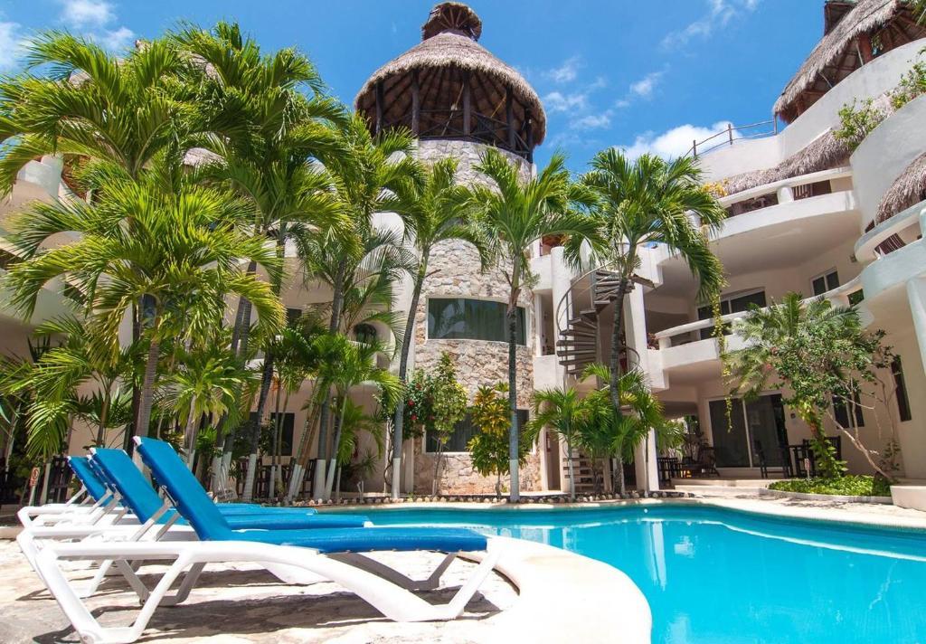 3 Bedroom Suite in DT Playa del Carmen with Pool!