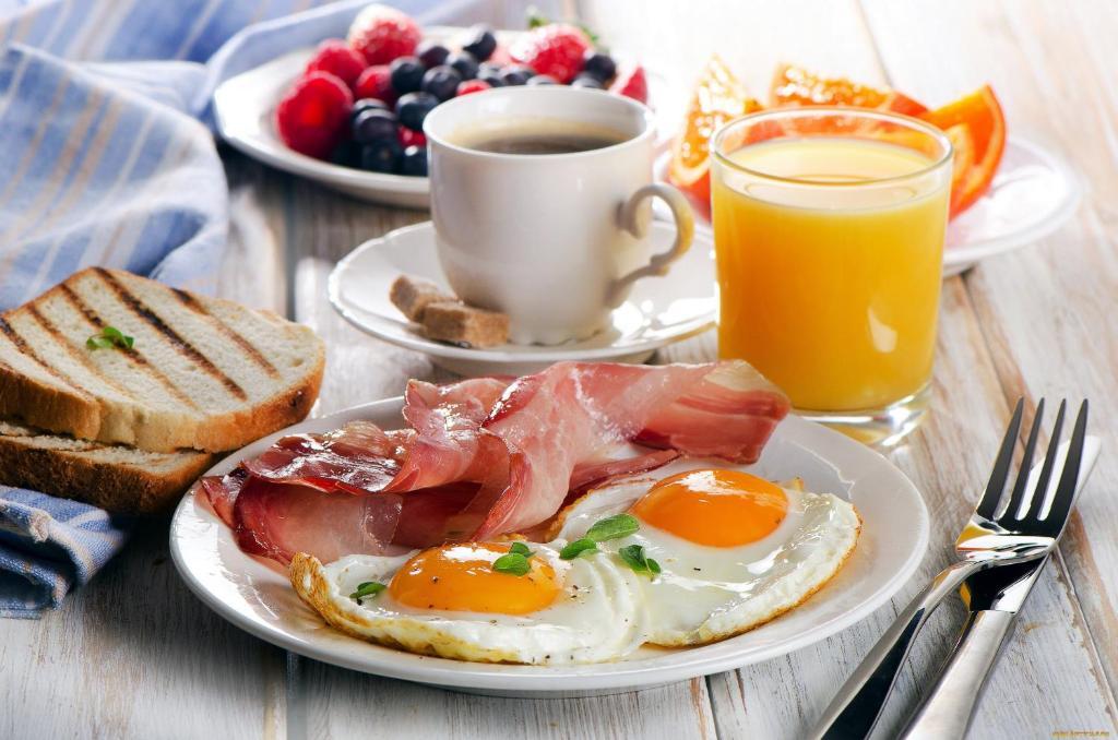 Завтрак для гостей VICTORIA VILLAGE