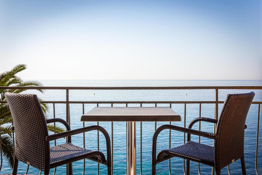 A balcony or terrace at Best Western Plus Hotel Prince De Galles