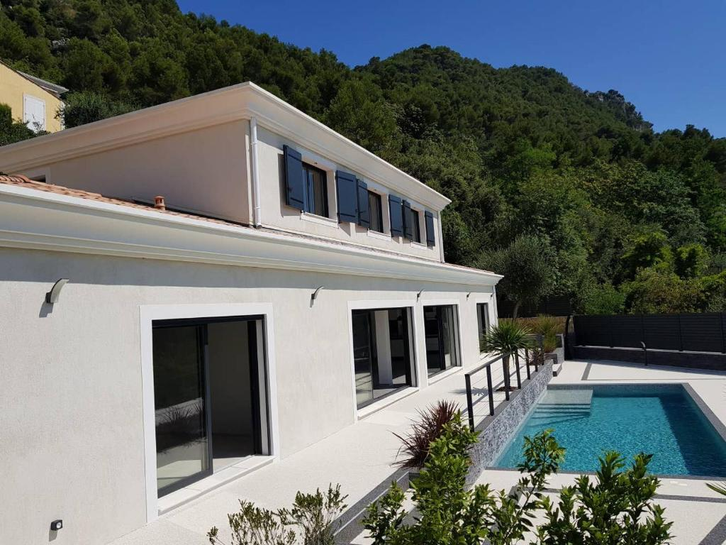Villa Contemporaine Entre Nice Et Villefranche Sur Mer France La Trinite Booking Com