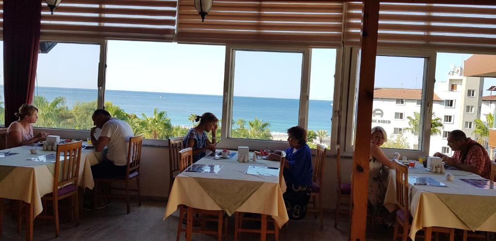 Ресторан / где поесть в Miray Hotel Kleopatra