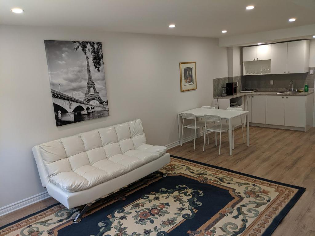 Spacious Basement One Bedroom Apartment Wifi Montreal Canada Booking Com