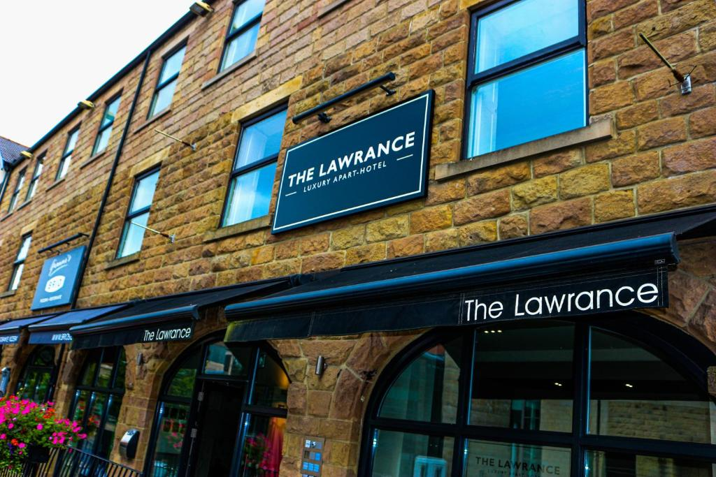 The Lawrance Luxury Aparthotel - Harrogate - Laterooms