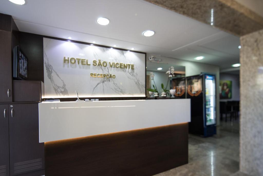 The lobby or reception area at Hotel São Vicente