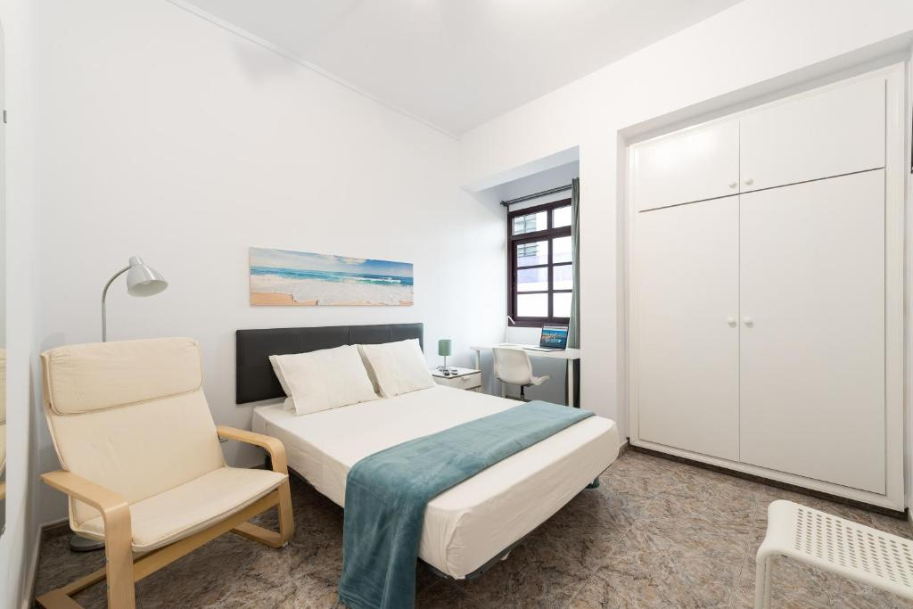 A bed or beds in a room at CoolivingC
