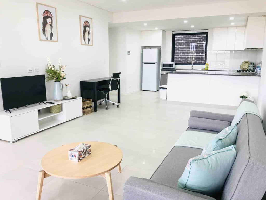 A seating area at 208 Kalina Apartments 2 Bedrooms