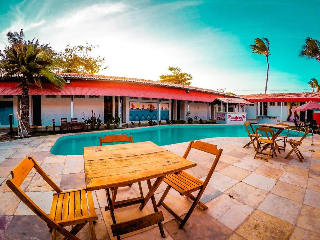The swimming pool at or near Ilha Praia Hotel