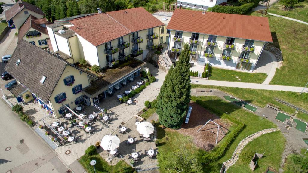 Blick auf Hotel Waldblick aus der Vogelperspektive