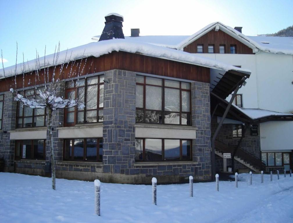 Hotel y Apartamentos SNÖ Isaba