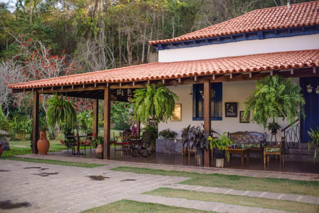 A restaurant or other place to eat at ECO RESORT BELA RIBA