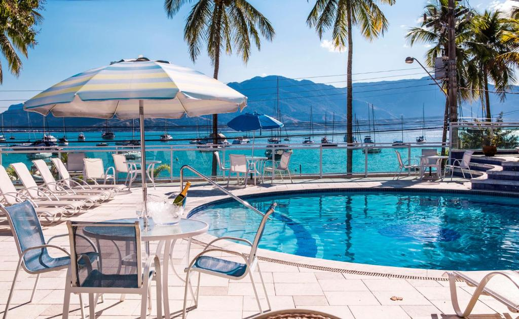 The swimming pool at or near Hotel Ilhabela