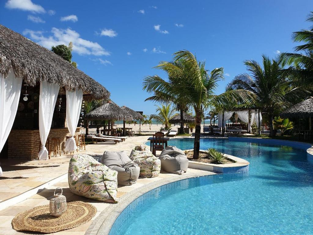 The swimming pool at or near Aurora Charme e Relax