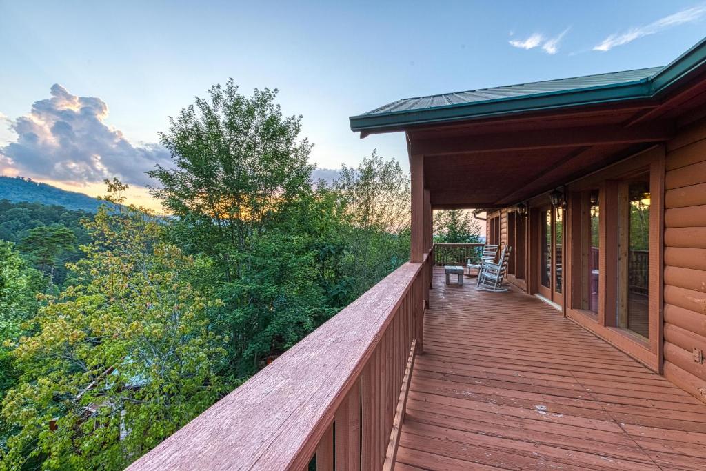 Arrowhead Log Cabin Resort Brief Escape Cabin