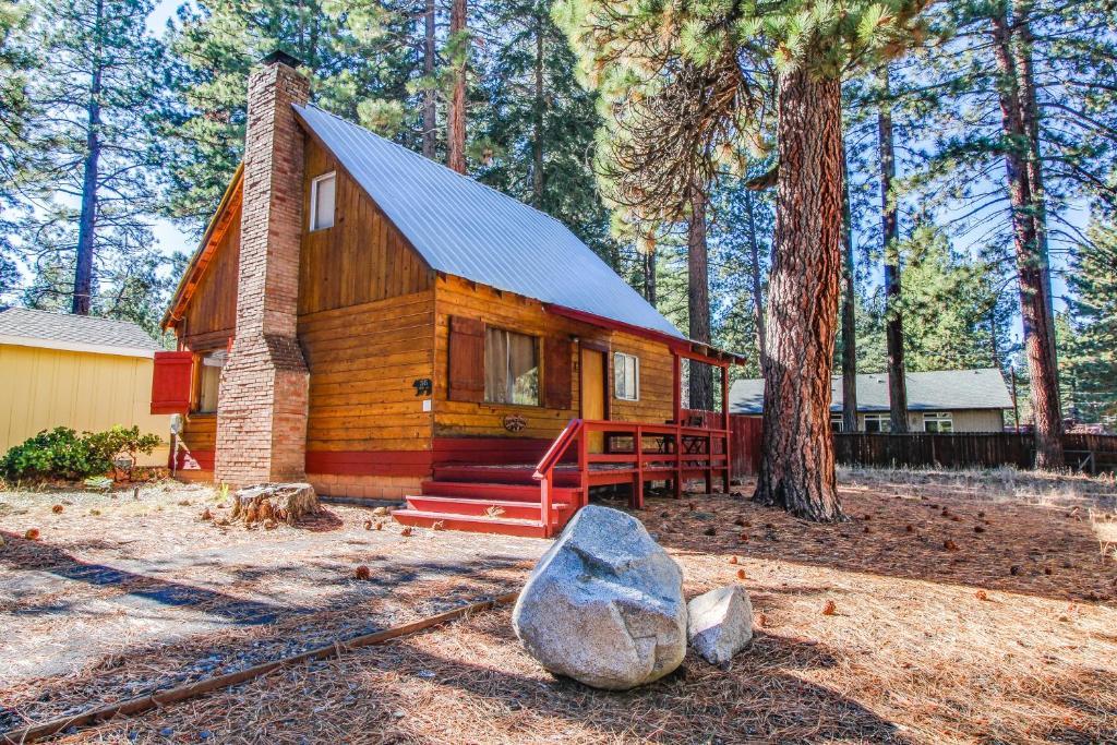 Tahoe Island's Quiet Cabin