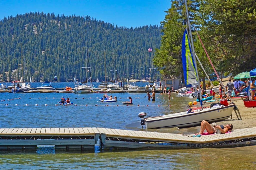 Vienna Villa 3 Bed 3 Bath Vacation Home In Shaver Lake Ca Booking Com