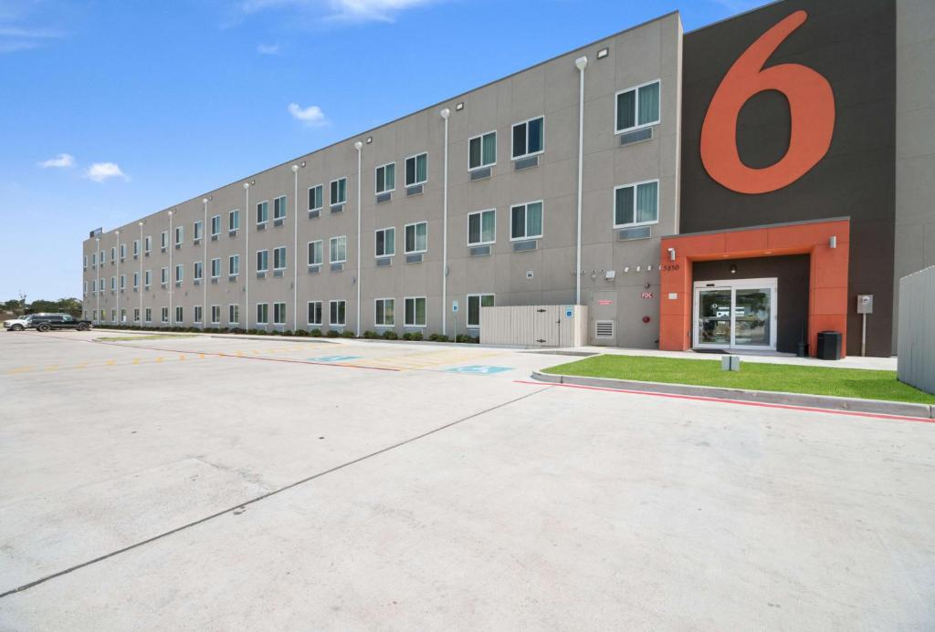 Studio 6-Corpus Christi, TX