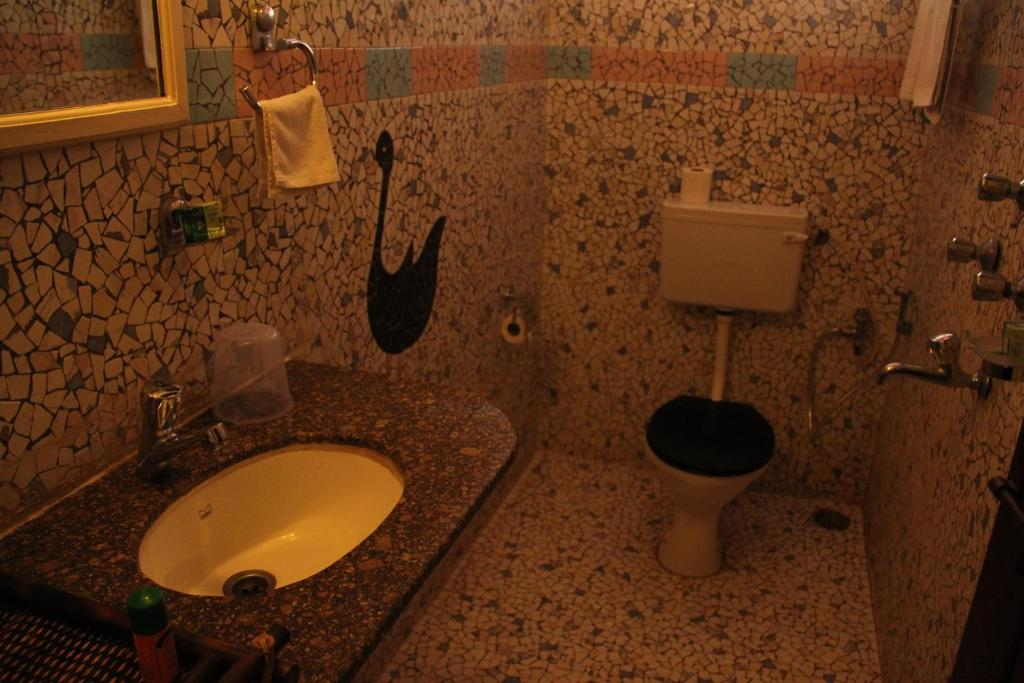 حمام في WelcomHeritage Panjim Inn