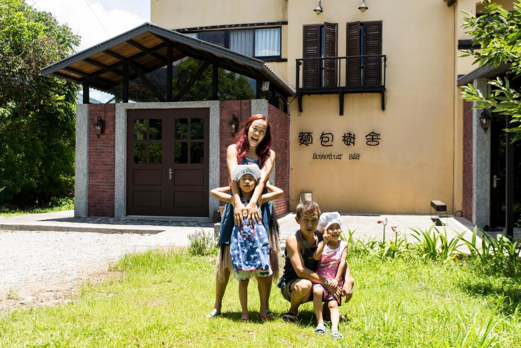 A family staying at Breadfruit B&B