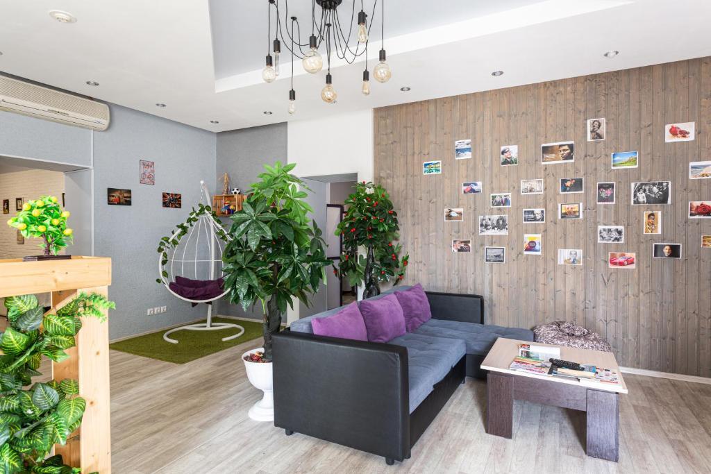 Лобби или стойка регистрации в ЛаKшеРи project hotel and hostel