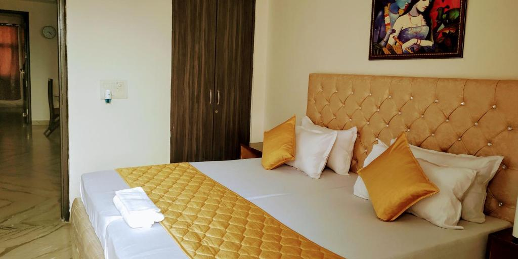 Short Stay 2BHK Serviced Apartments Safdarjung Enclave Extension MINIMUM 4 NIHGTS STAY