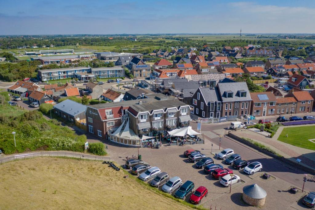 Blick auf Strandhotel Zoutelande - Seayou Zeeland aus der Vogelperspektive