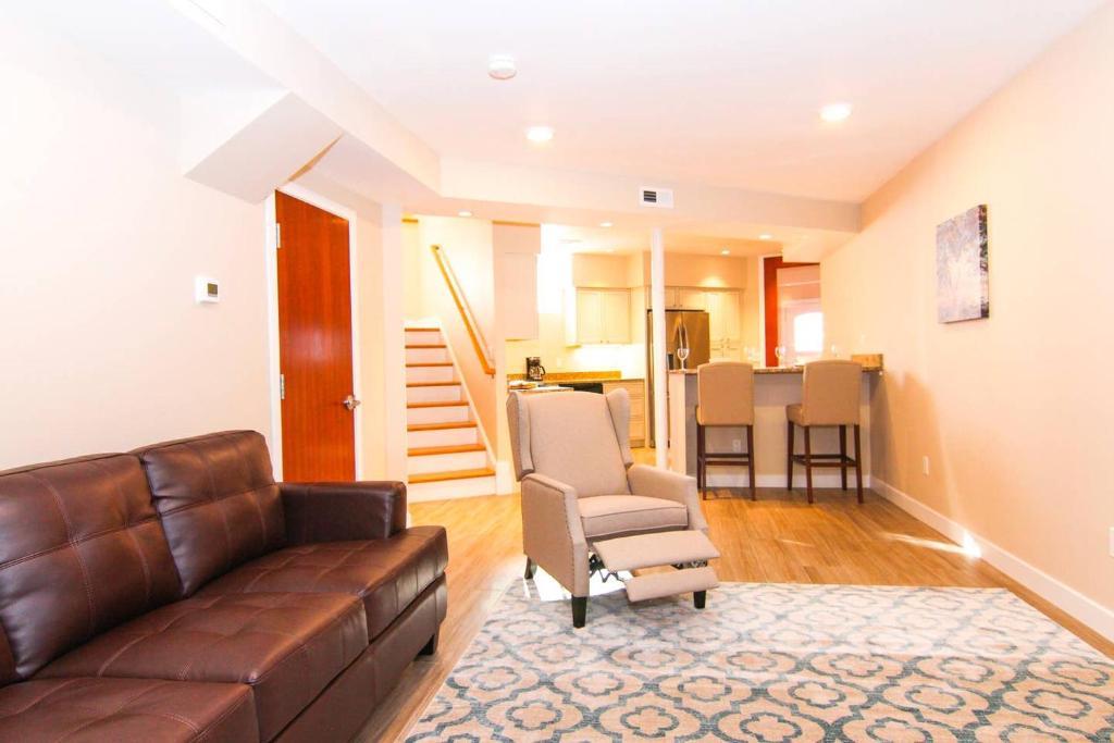 Luxury 3 Bedroom 20 Min To Boston 15min Encore Malden Updated 2021 Prices