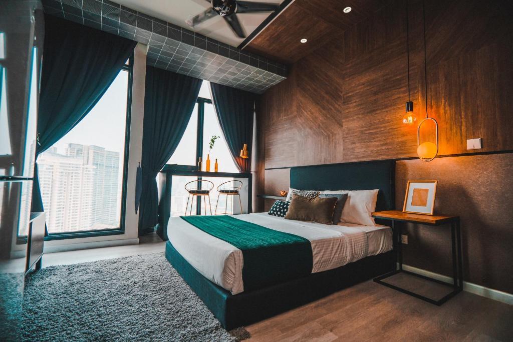 Instaforex malaysia klcc hotel shiva rama krishna g aig investments