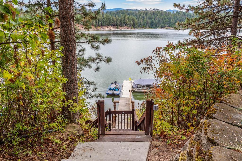 Shenandoah Lakeview Retreat