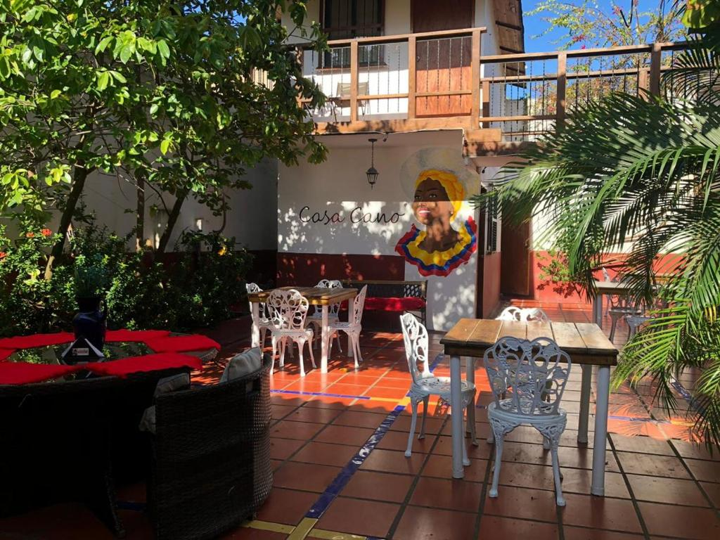 A restaurant or other place to eat at Hotel Casa Cano