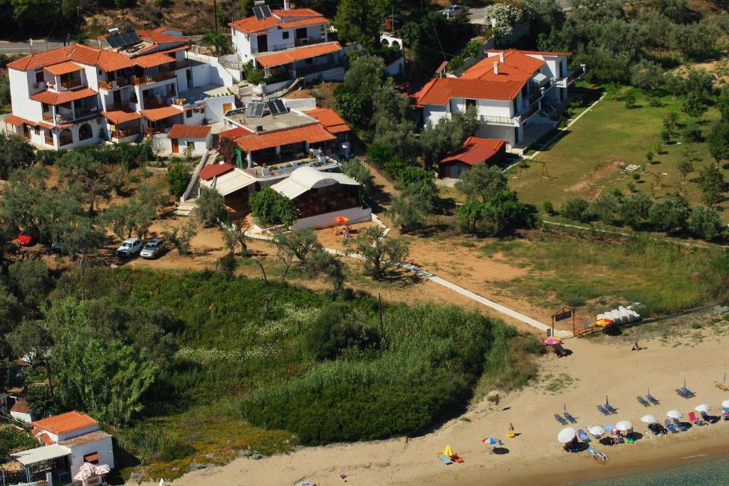 Άποψη από ψηλά του Villa Zaharo and Lilian Apartments