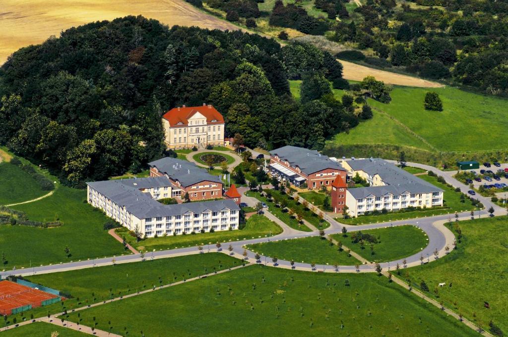 Blick auf Precise Resort Rügen & SPLASH Erlebniswelt aus der Vogelperspektive
