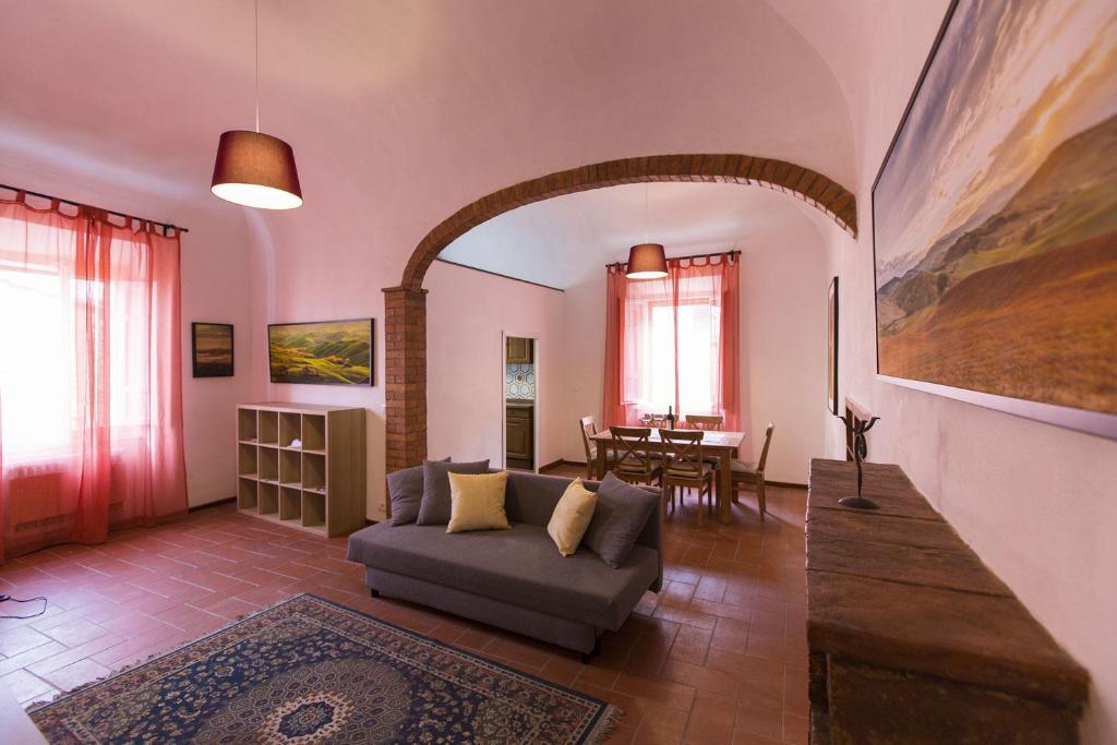A seating area at Appartamento Borgo Nuovo