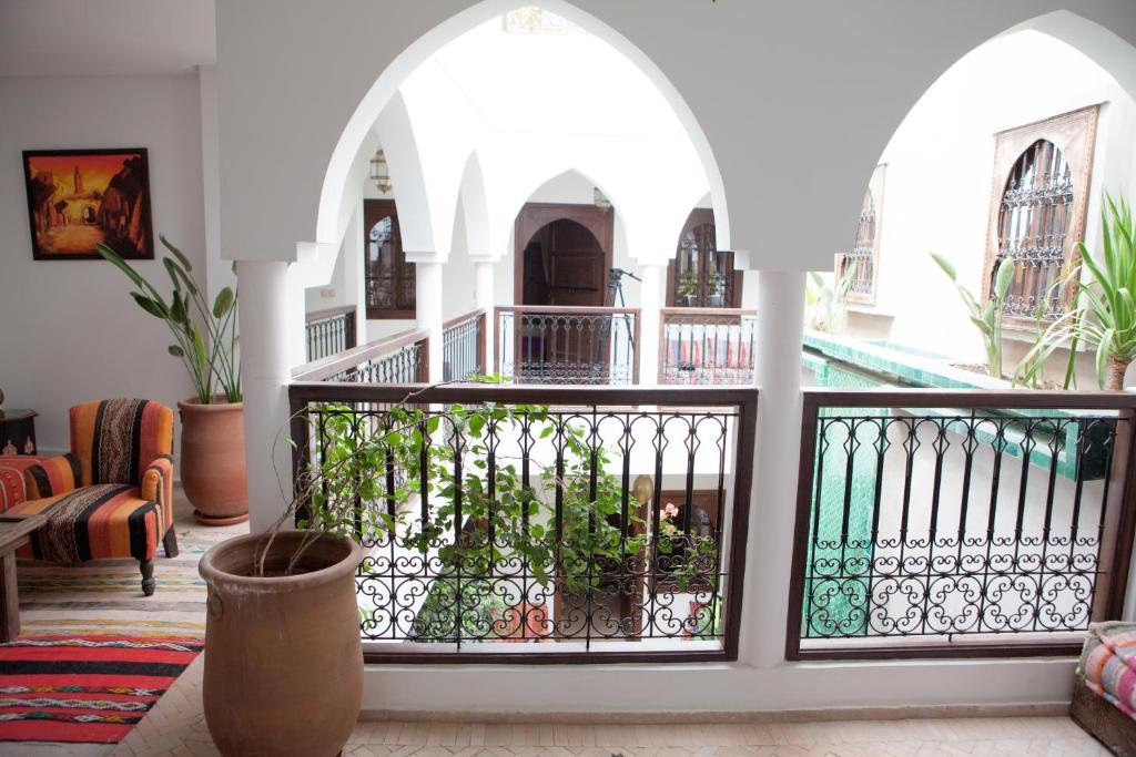 A balcony or terrace at Riad Achwaq