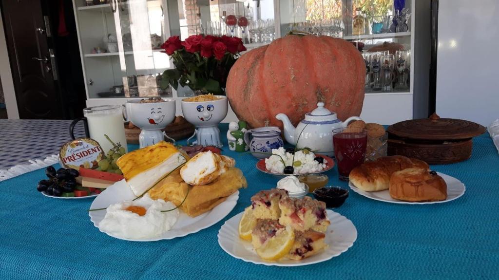 Завтрак для гостей Alida Guest House