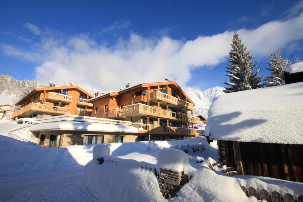 Mountain-Apart Simonhof during the winter