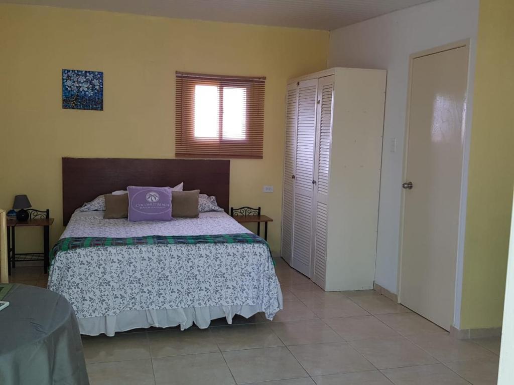 Cama ou camas em um quarto em Oasis studio nearby the beach 2