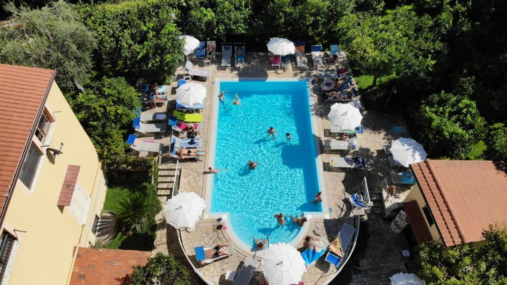A view of the pool at Hotel Tourist or nearby