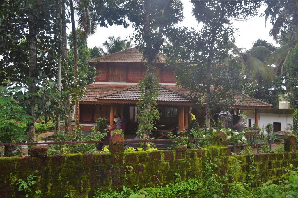 Poonthanam Homestay