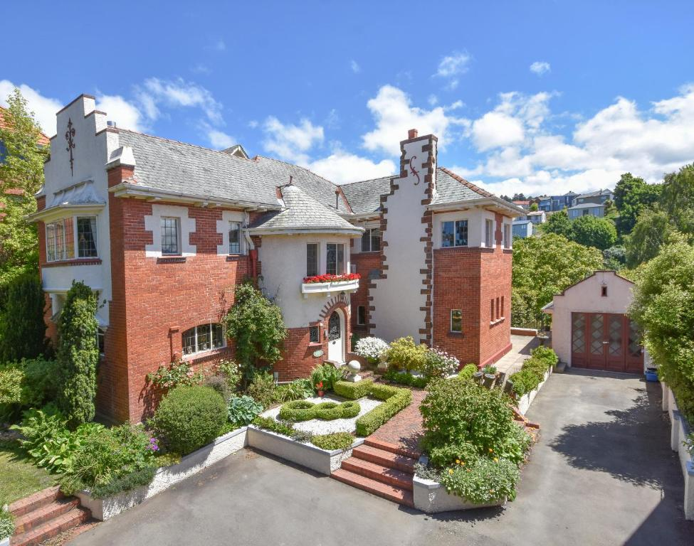 Fletcher Lodge, Dunedin, New Zealand - Booking.com