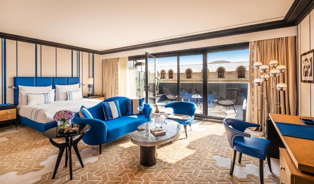 Uma área de estar em Dinamo Hotel Baku - Adult Only