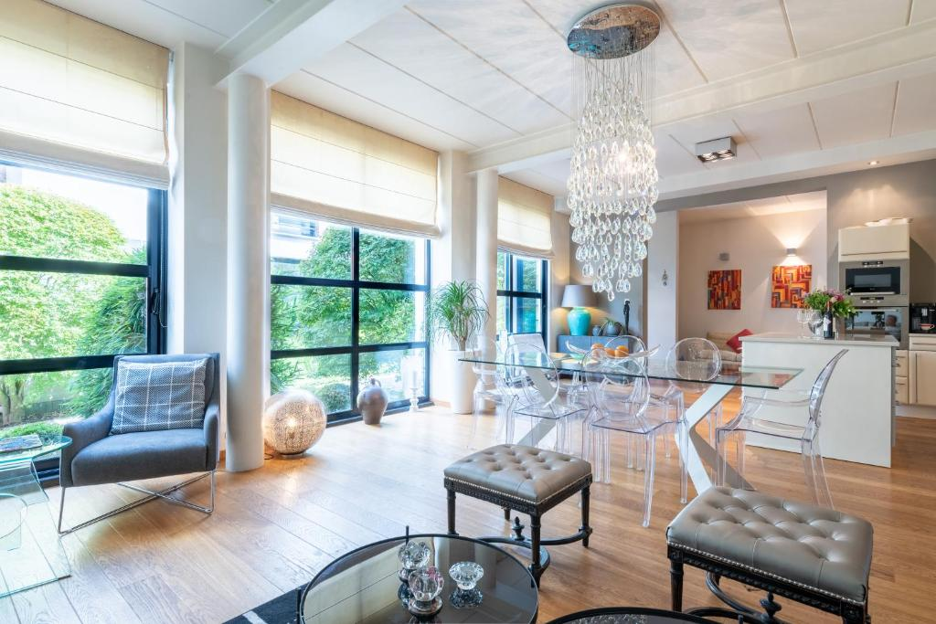 The lobby or reception area at Europea Rooftop Duplex Residence - Brussels Uccle