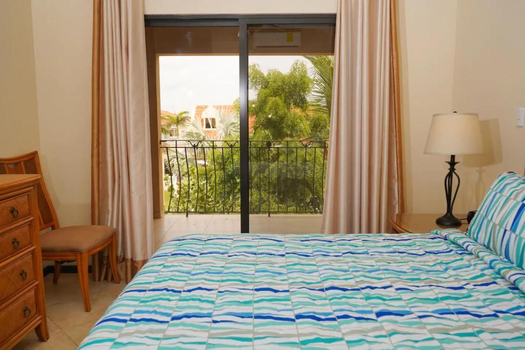 Cama ou camas em um quarto em FABULOUS APARTMENT IN GOLD COAST