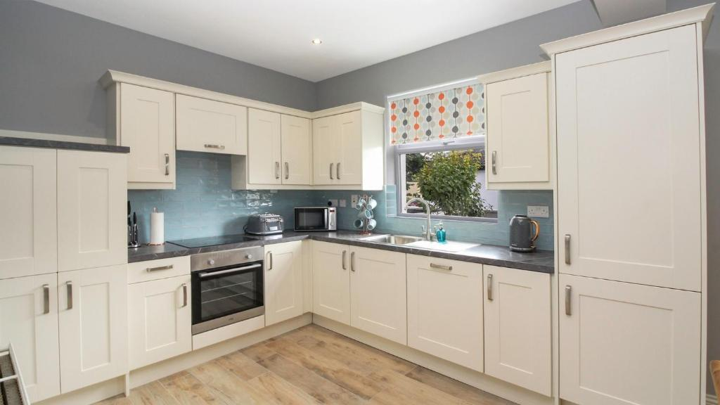 Spacious home in popular Salthill