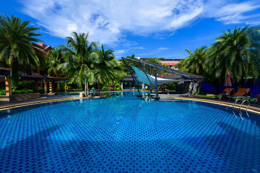 The swimming pool at or close to R-Mar Resort and Spa