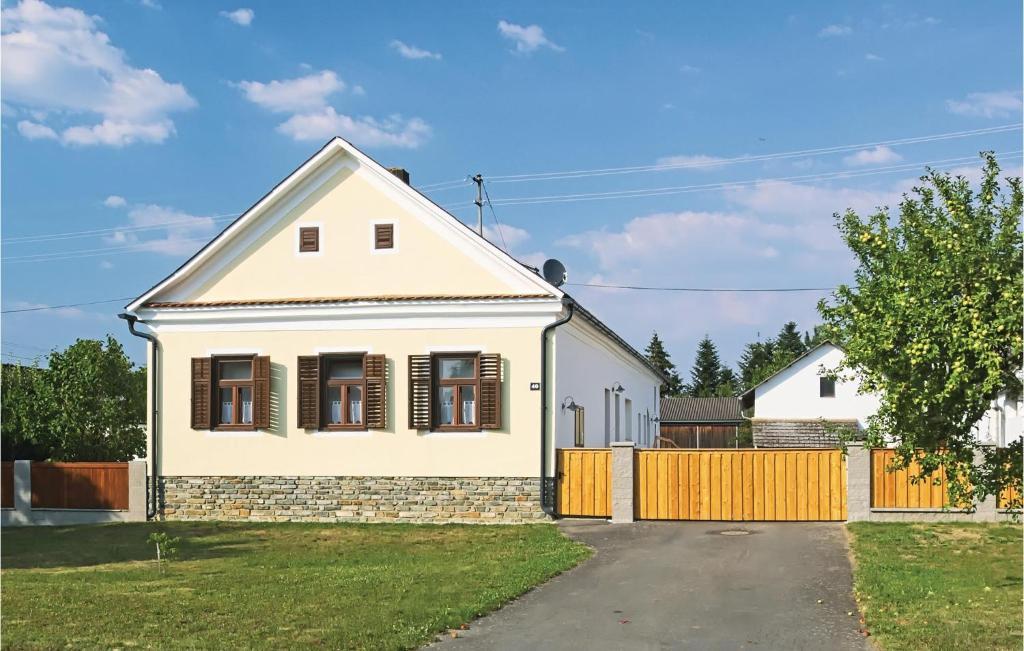 One-Bedroom Apartment in Hagensdorf