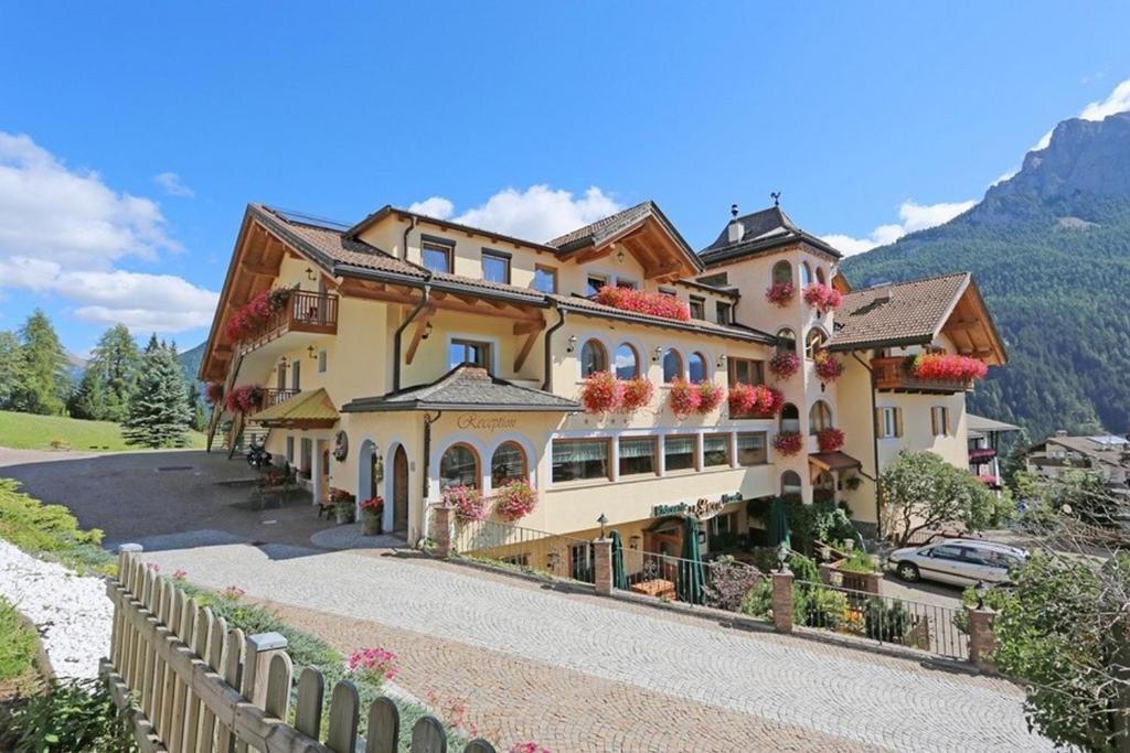Family Hotel La Grotta Vigo di Fassa, Italy