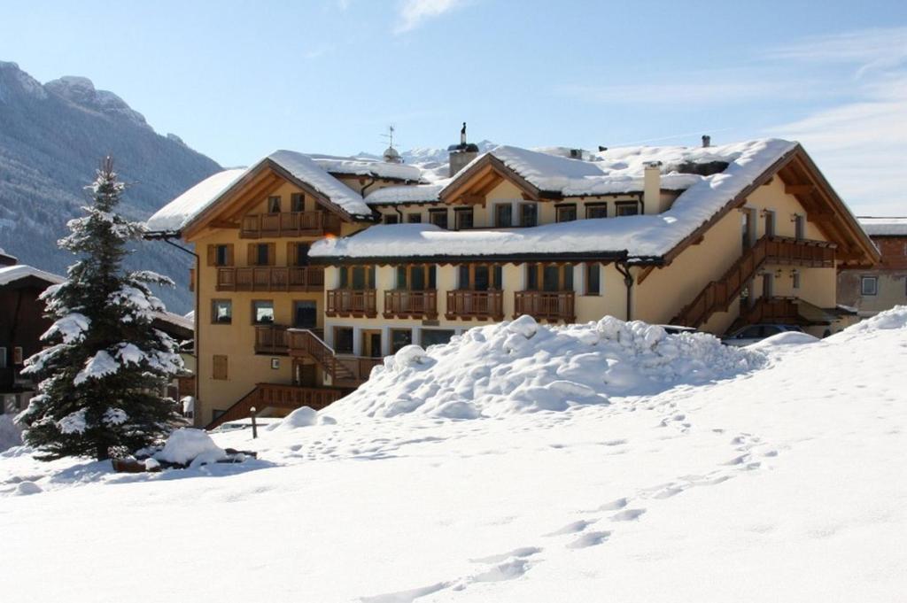 Family Hotel La Grotta during the winter